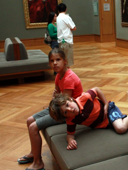 taking your kids to a museum