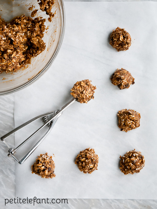 pumpkin chocolate chunk energy bites - scoop